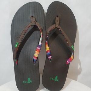 Sanuk NWOT thong flip flops sandals